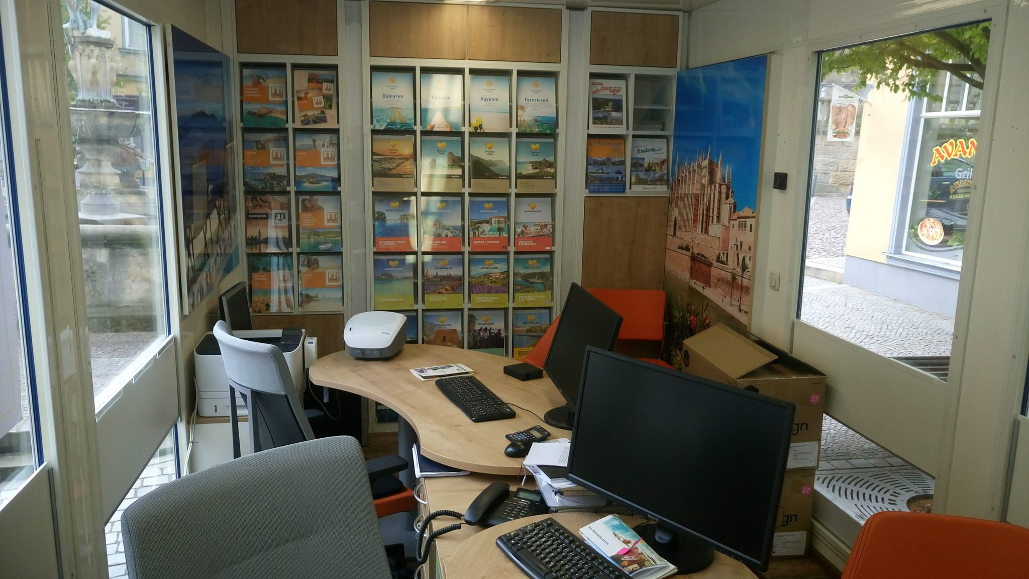 Mietservice für Reisebüros Reisebüromobil Messemöbel Eventmöbel ...